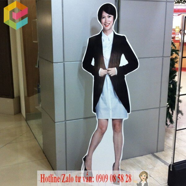 cung cap standee hinh nguoi gia re