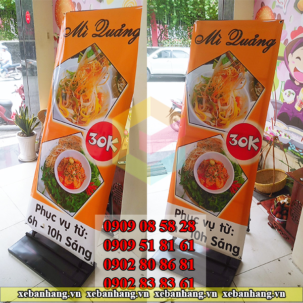 standee khung sat lap rap treo banner