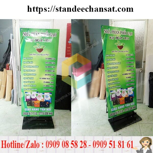 standee khung sat treo poster gia re