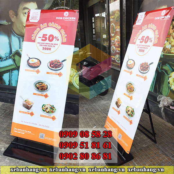 mua khung standee treo banner