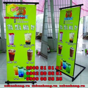standee chu l treo banner quang cao